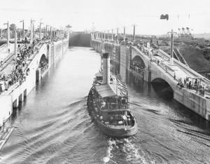 Primer-esclusaje-Gatun-1913-sep-26-300x234